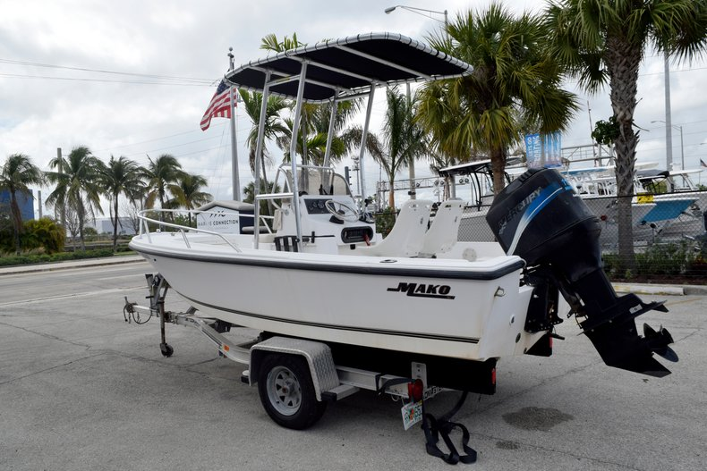 Thumbnail 5 for Used 2001 Mako 171 Center Console boat for sale in Vero Beach, FL