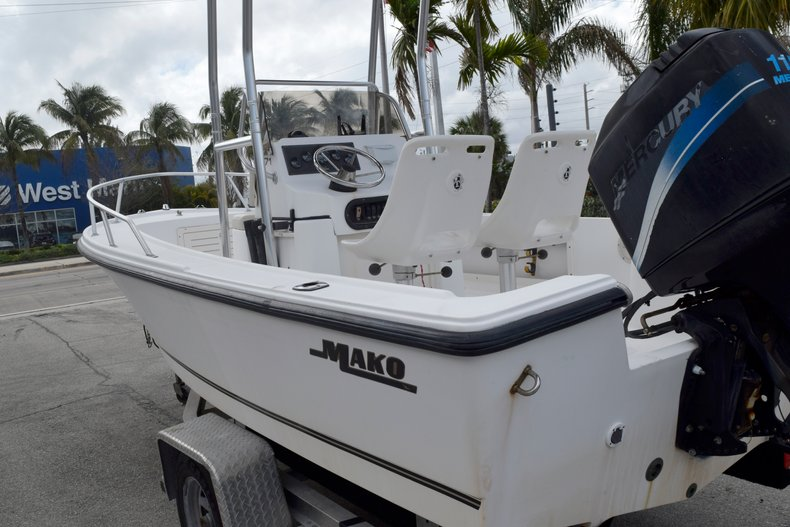 Thumbnail 6 for Used 2001 Mako 171 Center Console boat for sale in Vero Beach, FL