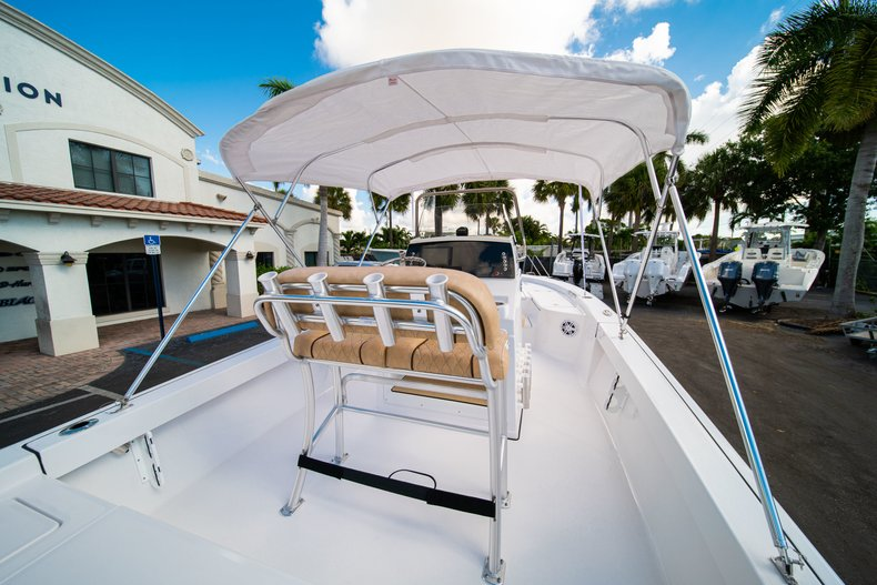 Thumbnail 15 for New 2019 Sportsman Masters 227 Bay Boat boat for sale in West Palm Beach, FL