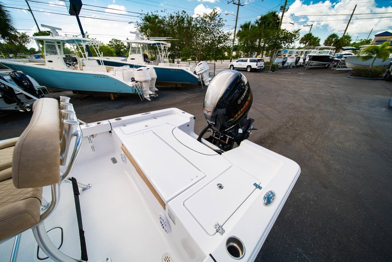 Thumbnail 9 for New 2019 Sportsman Masters 227 Bay Boat boat for sale in West Palm Beach, FL