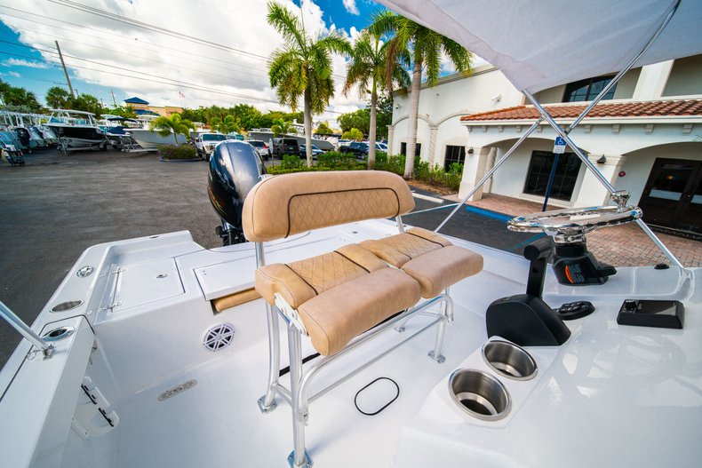 Thumbnail 27 for New 2019 Sportsman Masters 227 Bay Boat boat for sale in West Palm Beach, FL