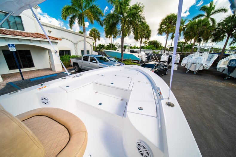 Thumbnail 30 for New 2019 Sportsman Masters 227 Bay Boat boat for sale in West Palm Beach, FL