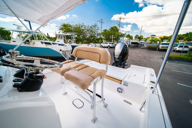 Thumbnail 29 for New 2019 Sportsman Masters 227 Bay Boat boat for sale in West Palm Beach, FL