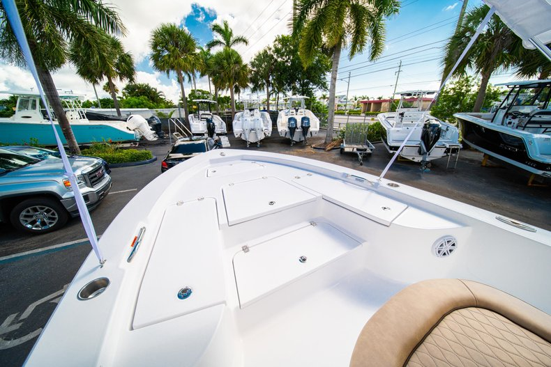 Thumbnail 32 for New 2019 Sportsman Masters 227 Bay Boat boat for sale in West Palm Beach, FL