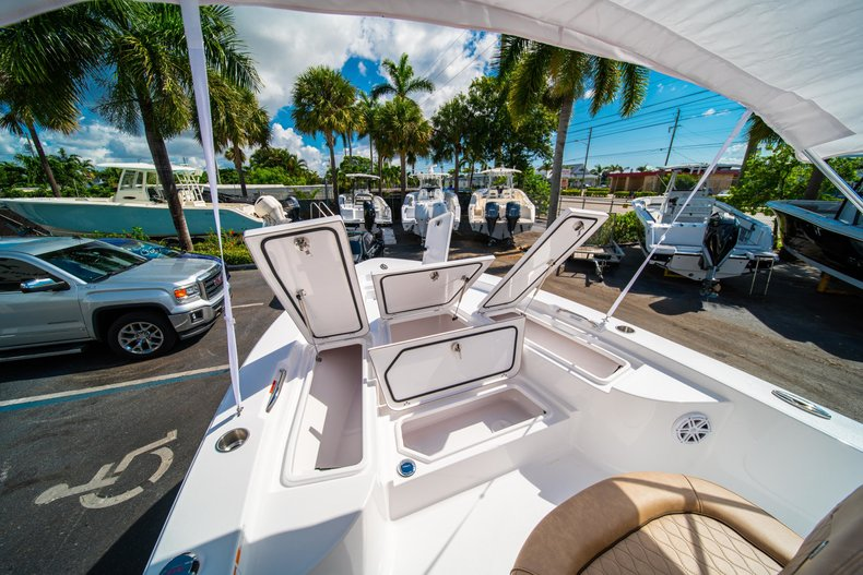 Thumbnail 33 for New 2019 Sportsman Masters 227 Bay Boat boat for sale in West Palm Beach, FL