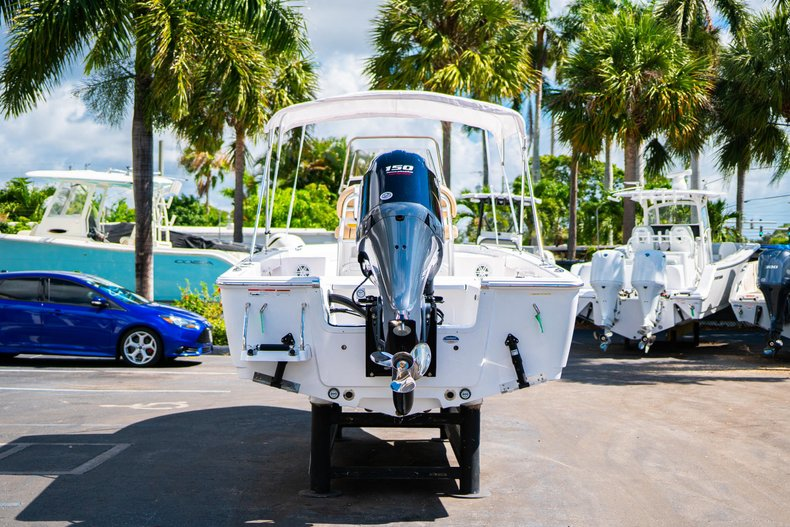 Thumbnail 6 for New 2019 Sportsman Masters 227 Bay Boat boat for sale in West Palm Beach, FL