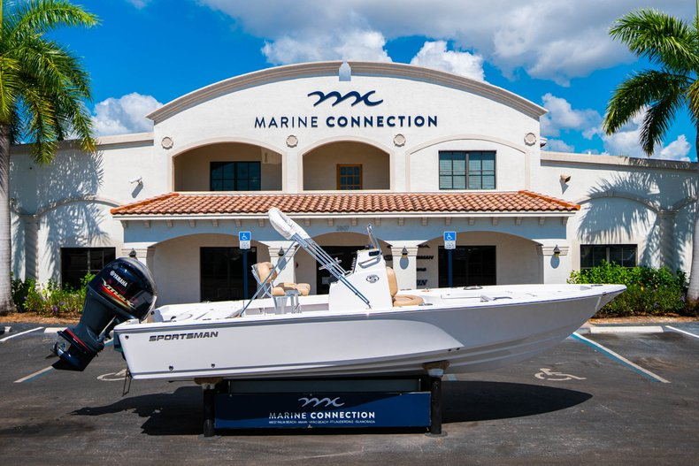 Thumbnail 36 for New 2019 Sportsman Masters 227 Bay Boat boat for sale in West Palm Beach, FL