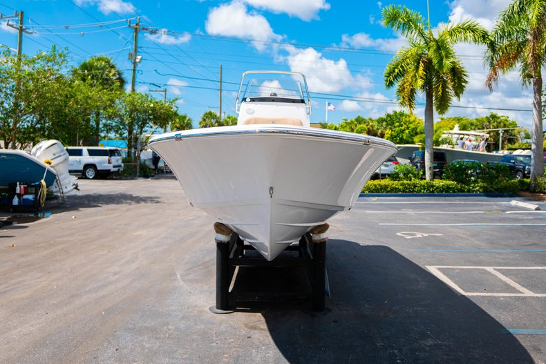 Thumbnail 2 for New 2019 Sportsman Masters 227 Bay Boat boat for sale in West Palm Beach, FL