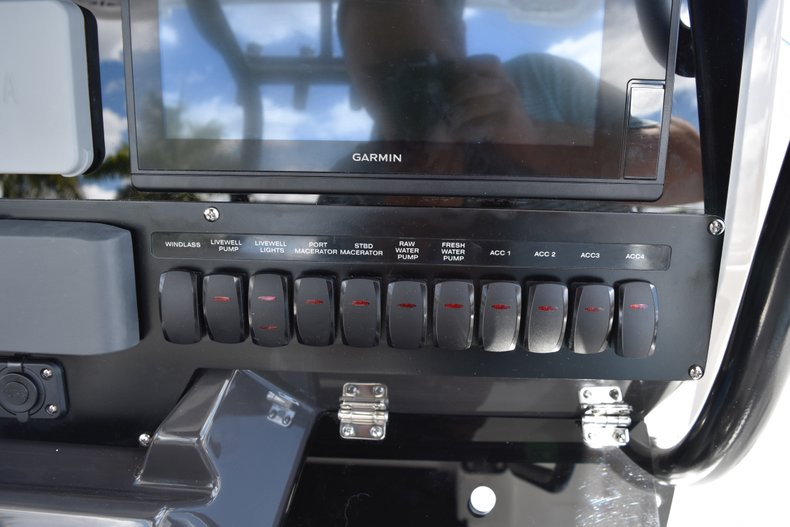 Image 9 for 2019 Blackfin 272CC Center Console in West Palm Beach, FL