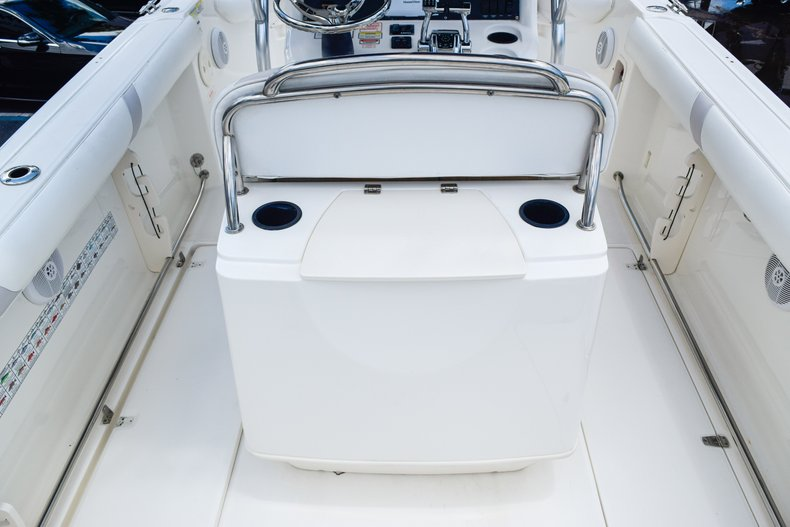 Image 11 for 2006 Boston Whaler 240 Outrage in West Palm Beach, FL