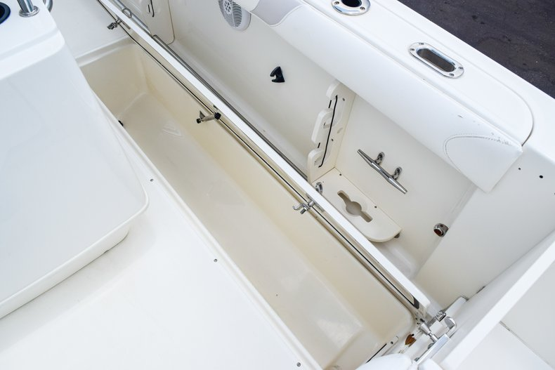 Image 15 for 2006 Boston Whaler 240 Outrage in West Palm Beach, FL