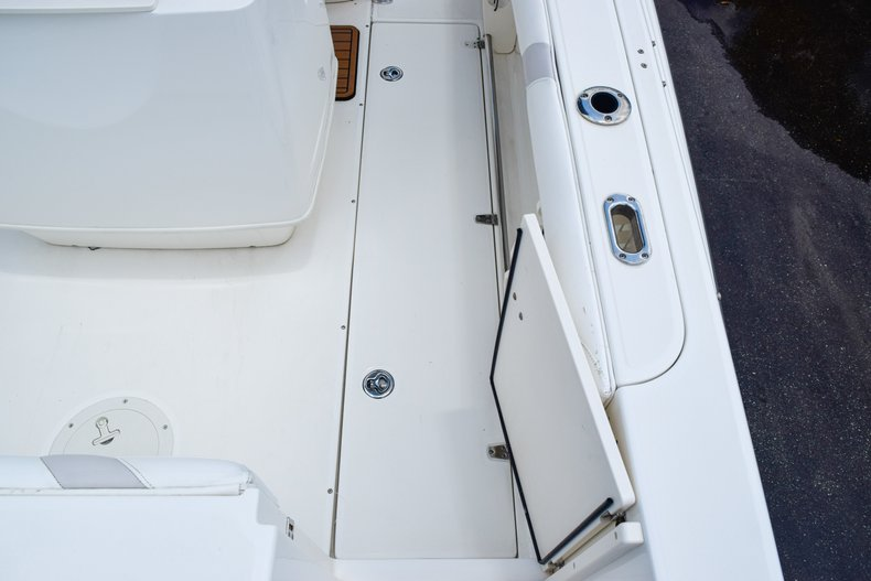 Image 14 for 2006 Boston Whaler 240 Outrage in West Palm Beach, FL