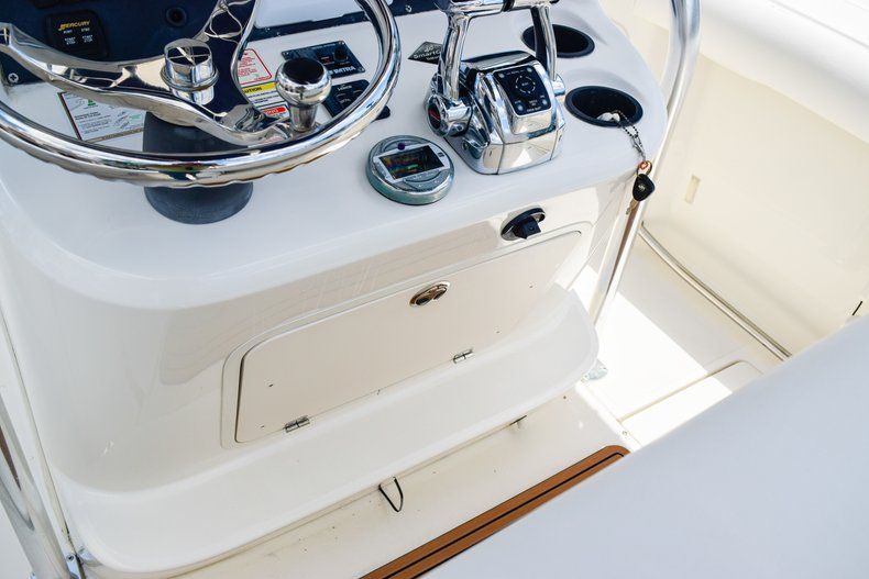 Image 20 for 2006 Boston Whaler 240 Outrage in West Palm Beach, FL