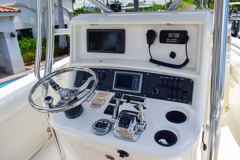 Image 25 for 2006 Boston Whaler 240 Outrage in West Palm Beach, FL