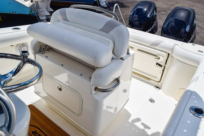 Image 23 for 2006 Boston Whaler 240 Outrage in West Palm Beach, FL