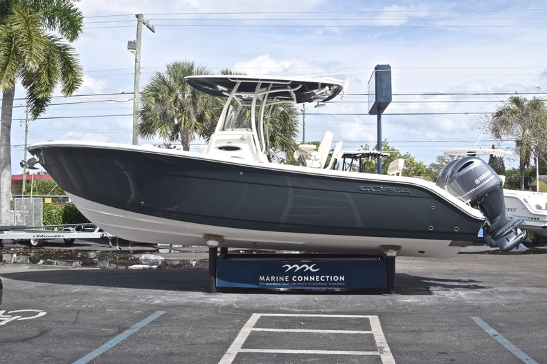 Image 4 for 2018 Cobia 261 Center Console in West Palm Beach, FL