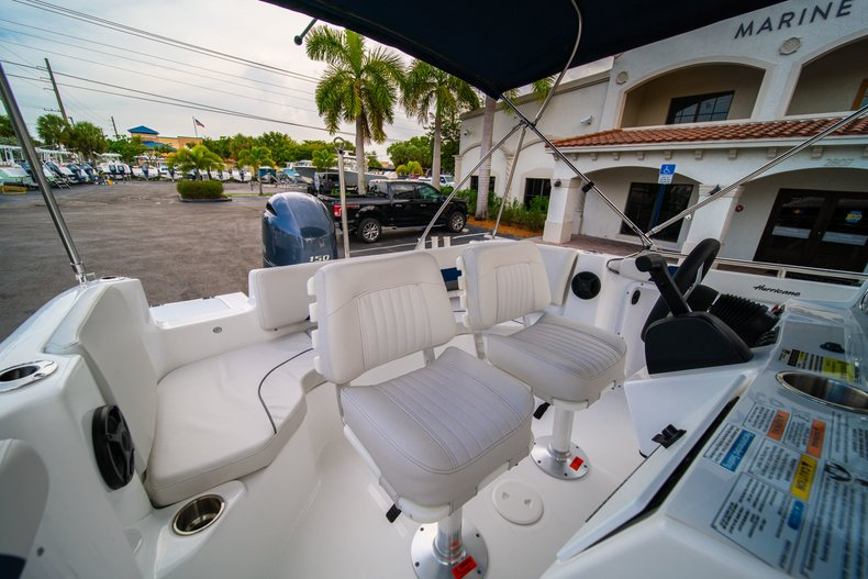 Thumbnail 13 for New 2019 Hurricane SunDeck Sport SS 211 OB boat for sale in West Palm Beach, FL