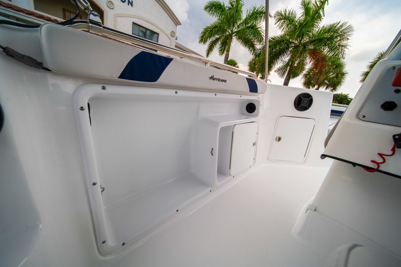 Thumbnail 23 for New 2019 Hurricane SunDeck Sport SS 211 OB boat for sale in West Palm Beach, FL
