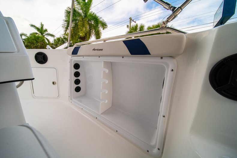 Thumbnail 21 for New 2019 Hurricane SunDeck Sport SS 211 OB boat for sale in West Palm Beach, FL