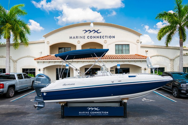 New 2019 Hurricane SunDeck Sport SS 211 OB boat for sale in West Palm Beach, FL