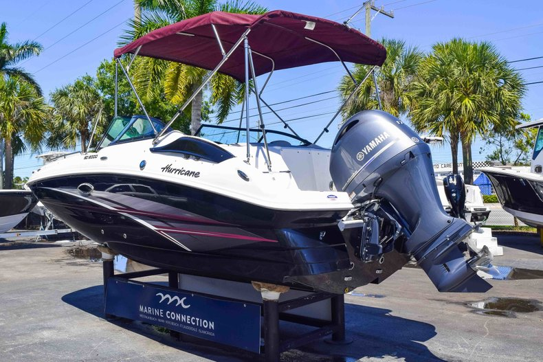 Thumbnail 5 for New 2019 Hurricane SunDeck SD 2000 OB boat for sale in West Palm Beach, FL