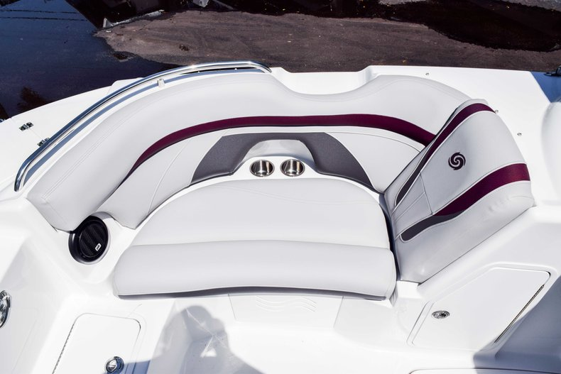 Thumbnail 30 for New 2019 Hurricane SunDeck SD 2000 OB boat for sale in West Palm Beach, FL