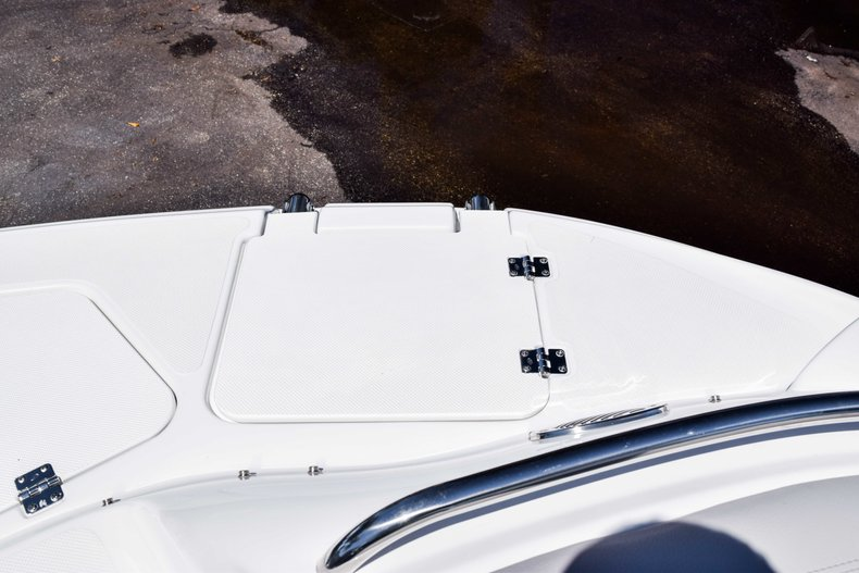 Thumbnail 38 for New 2019 Hurricane SunDeck SD 2000 OB boat for sale in West Palm Beach, FL