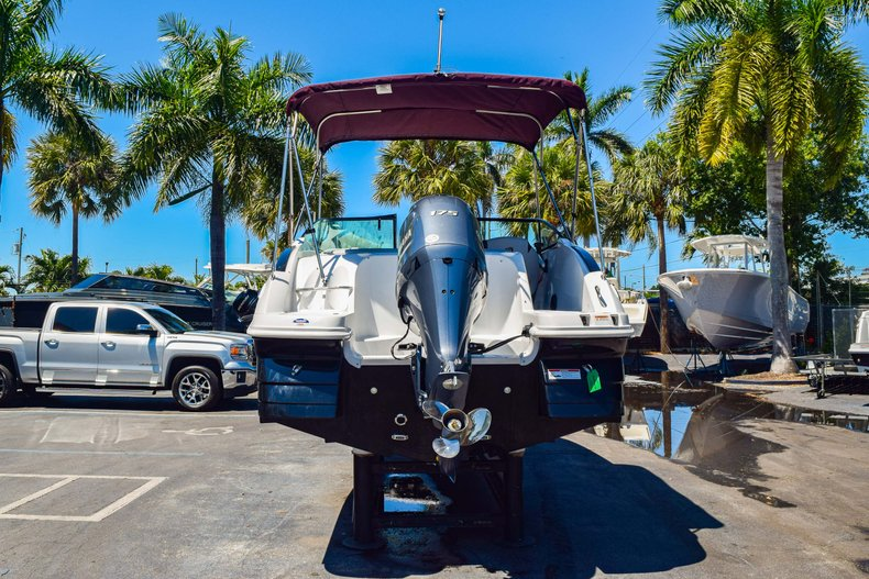 Thumbnail 7 for New 2019 Hurricane SunDeck SD 2000 OB boat for sale in West Palm Beach, FL
