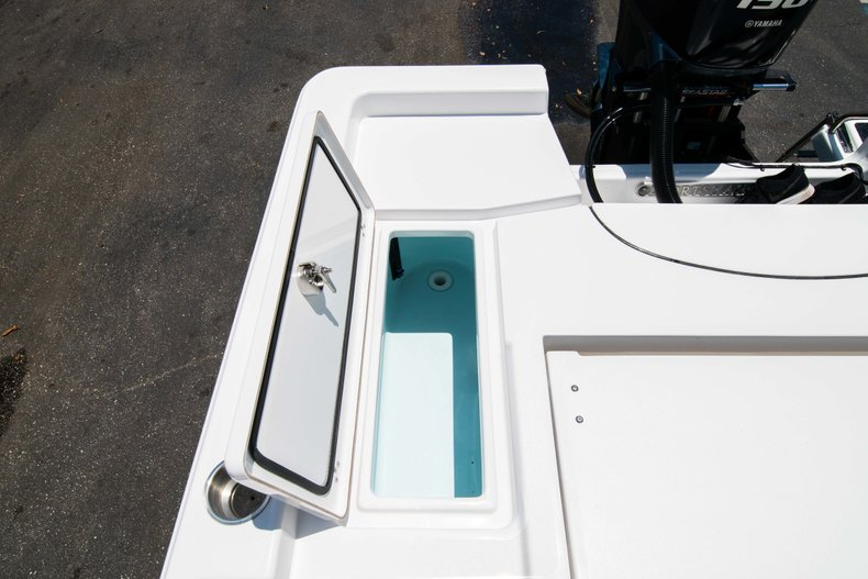 Thumbnail 16 for New 2019 Sportsman Masters 227 Bay Boat boat for sale in Vero Beach, FL