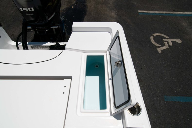 Thumbnail 18 for New 2019 Sportsman Masters 227 Bay Boat boat for sale in Vero Beach, FL