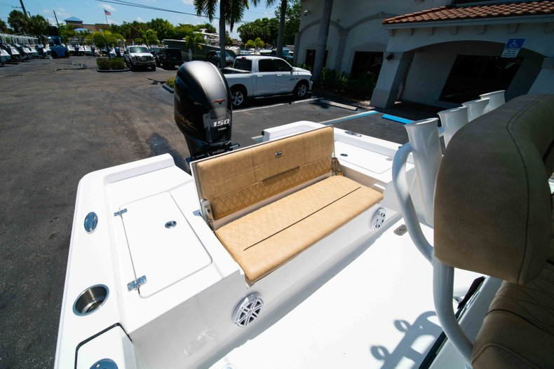 Thumbnail 13 for New 2019 Sportsman Masters 227 Bay Boat boat for sale in Vero Beach, FL