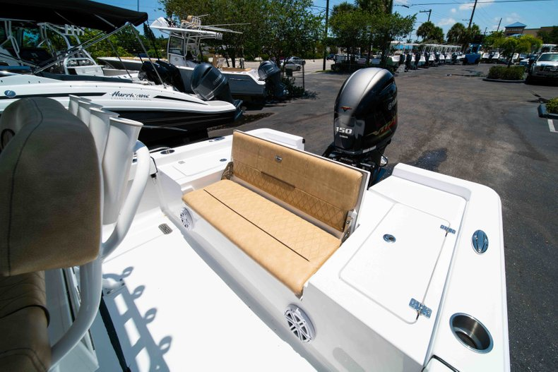 Thumbnail 14 for New 2019 Sportsman Masters 227 Bay Boat boat for sale in Vero Beach, FL