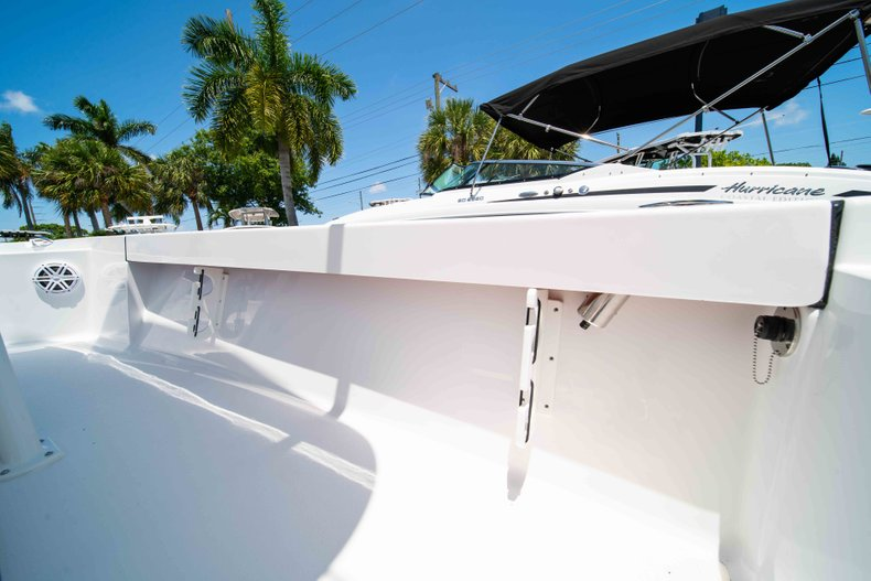 Thumbnail 22 for New 2019 Sportsman Masters 227 Bay Boat boat for sale in Vero Beach, FL