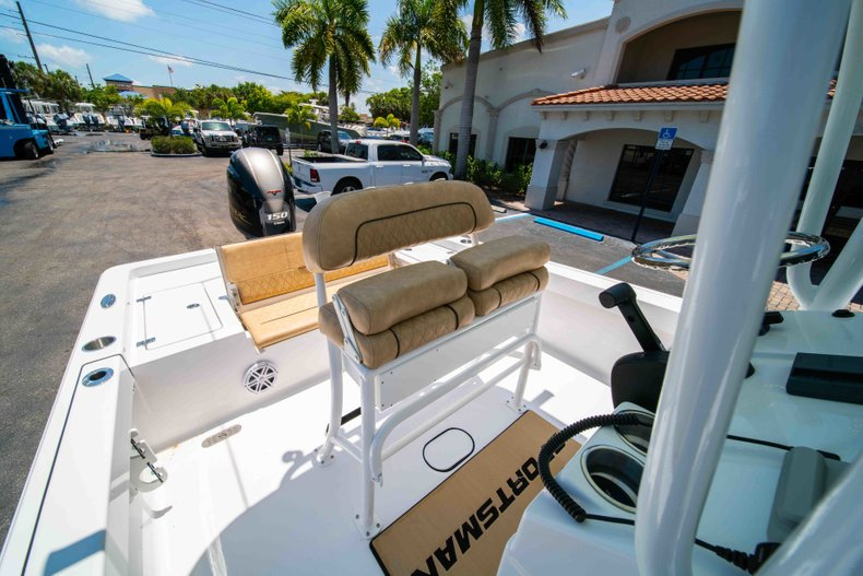 Thumbnail 28 for New 2019 Sportsman Masters 227 Bay Boat boat for sale in Vero Beach, FL