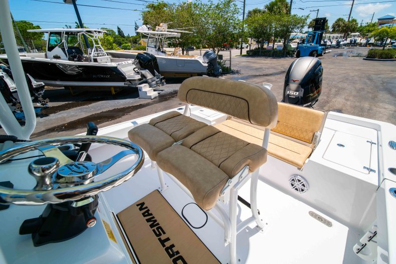 Thumbnail 31 for New 2019 Sportsman Masters 227 Bay Boat boat for sale in Vero Beach, FL