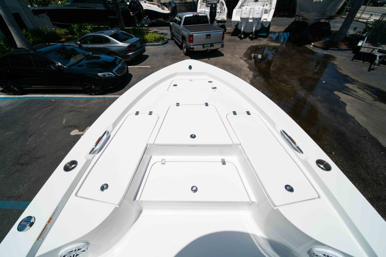 Thumbnail 34 for New 2019 Sportsman Masters 227 Bay Boat boat for sale in Vero Beach, FL