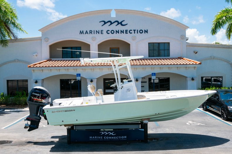 Thumbnail 0 for New 2019 Sportsman Masters 227 Bay Boat boat for sale in Vero Beach, FL