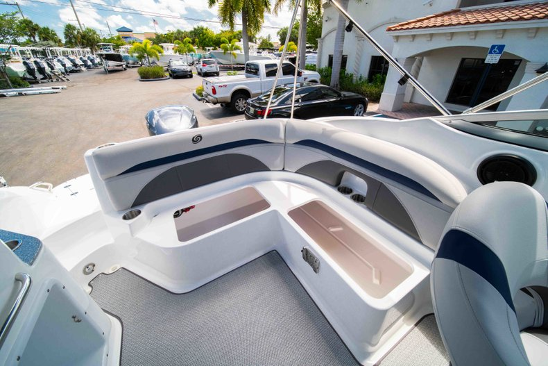 Thumbnail 10 for New 2019 Hurricane SunDeck SD 2400 OB boat for sale in Vero Beach, FL