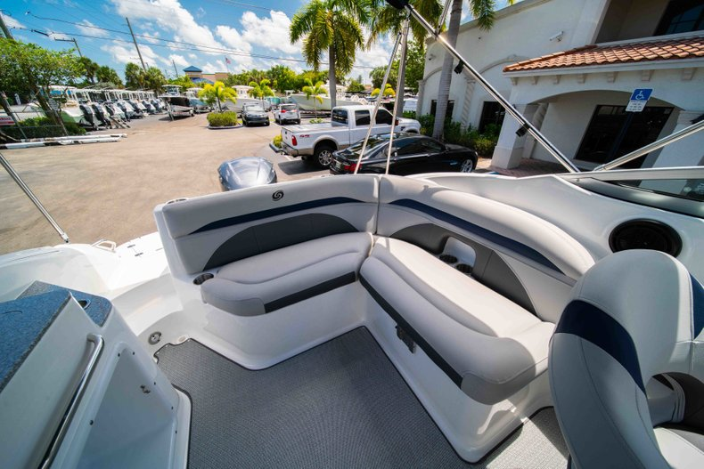 Thumbnail 9 for New 2019 Hurricane SunDeck SD 2400 OB boat for sale in Vero Beach, FL