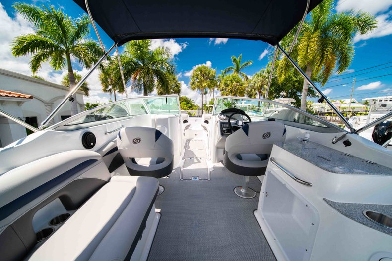 Thumbnail 8 for New 2019 Hurricane SunDeck SD 2400 OB boat for sale in Vero Beach, FL