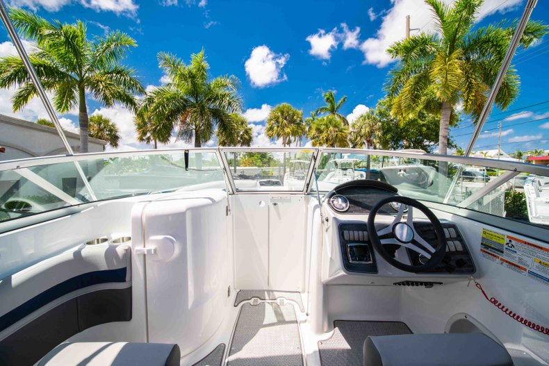 Thumbnail 15 for New 2019 Hurricane SunDeck SD 2400 OB boat for sale in Vero Beach, FL