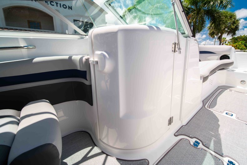 Thumbnail 17 for New 2019 Hurricane SunDeck SD 2400 OB boat for sale in Vero Beach, FL