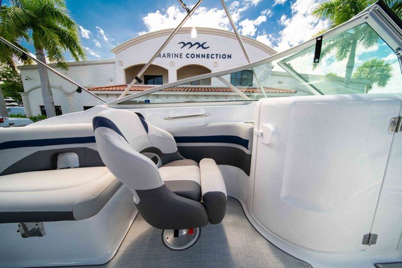 Thumbnail 21 for New 2019 Hurricane SunDeck SD 2400 OB boat for sale in Vero Beach, FL