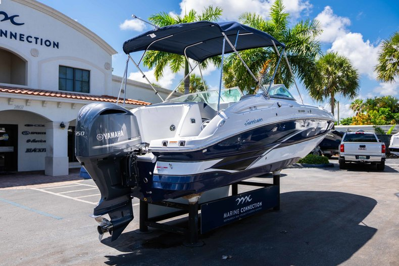 Thumbnail 7 for New 2019 Hurricane SunDeck SD 2400 OB boat for sale in Vero Beach, FL