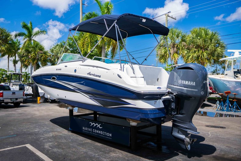 Thumbnail 5 for New 2019 Hurricane SunDeck SD 2400 OB boat for sale in Vero Beach, FL