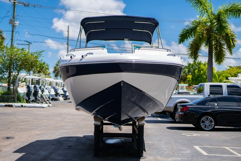 Thumbnail 2 for New 2019 Hurricane SunDeck SD 2400 OB boat for sale in Vero Beach, FL