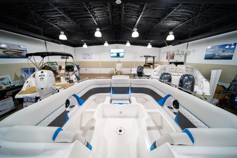 Thumbnail 29 for New 2019 Hurricane SunDeck SD 2486 OB boat for sale in West Palm Beach, FL