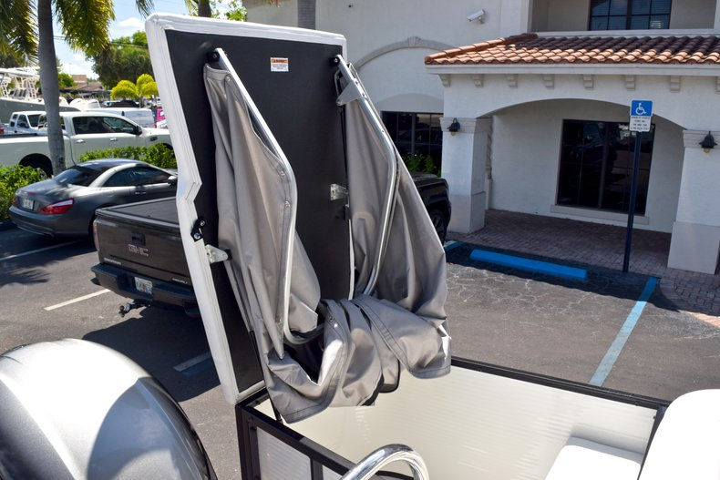 Thumbnail 15 for New 2019 Hurricane FunDeck FD 226 OB boat for sale in Vero Beach, FL