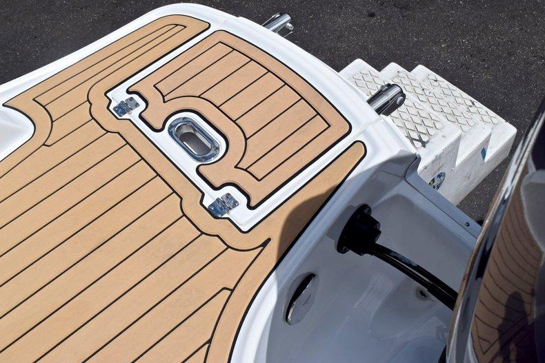 Thumbnail 11 for New 2019 Hurricane SunDeck SD 2690 OB boat for sale in Vero Beach, FL