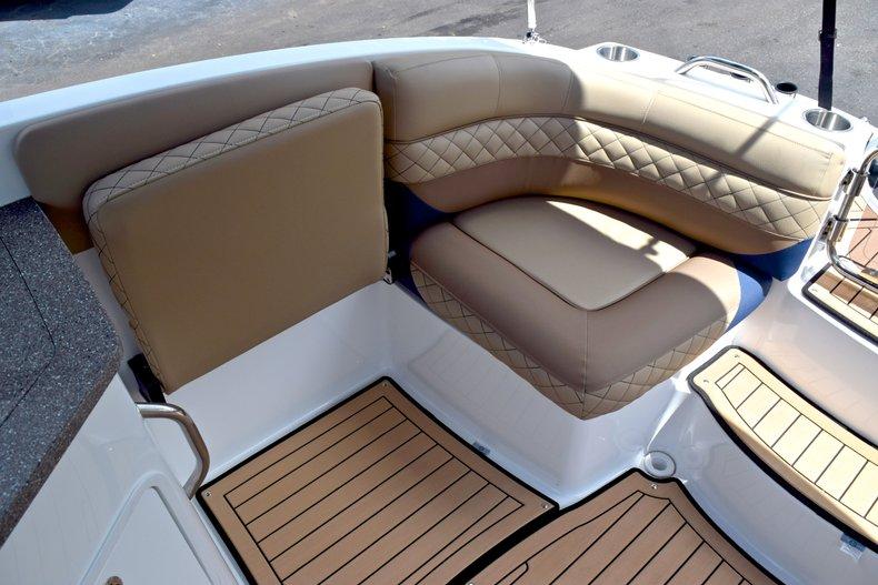 Thumbnail 16 for New 2019 Hurricane SunDeck SD 2690 OB boat for sale in Vero Beach, FL
